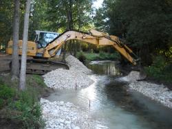 Travaux de restauration de rivière dans la Vienne